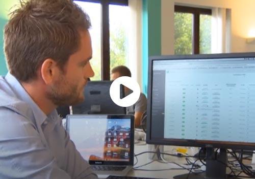 Fragment uit tv-verslag over samenwerkingslening van mozzeno.com, door Canal Z
