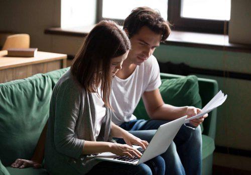 Paar dat een kredietconsolidatie overweegt